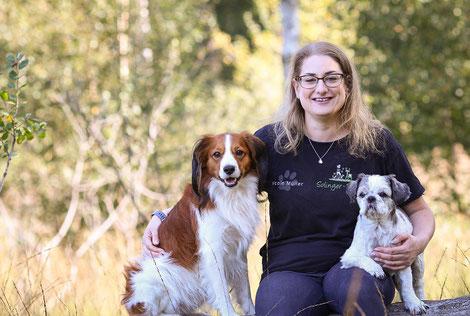 Hundetrainerin Nicole mit ihren Hunden in Solingen