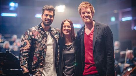 Beim Videodreh im Studio 1 des BR-Funkhauses: Sascha Seelemann, Christina Stürmer und Sebastian Winkler. (c) BR / Fabian Stoffers