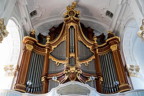 Orgeln in Kirchen sind toll - Klavier aber auch - Klavierlehrer in Burbach -