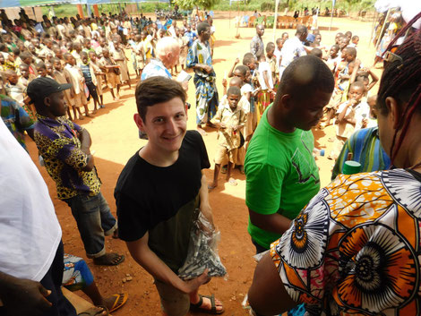 Nikolas Karanikolas Hilfe für Kinder in Togo Afrika