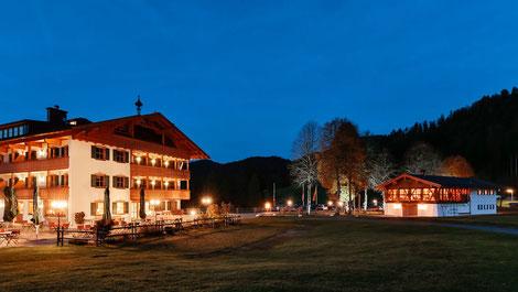 Blick auf das Hotel Gut Steinbach