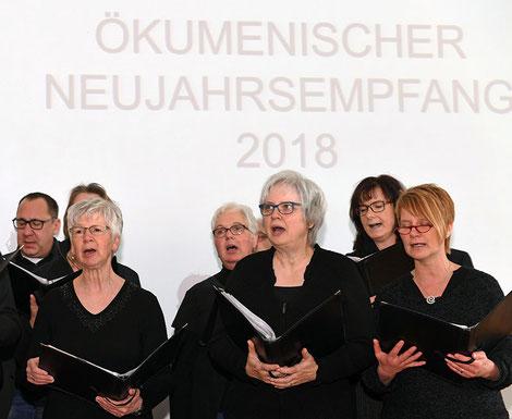 """Der Chor """"carpe diem"""" der Pfarrei St. Franziskus _ Foto: Christian Schnaubelt"""