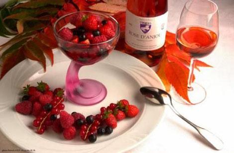 red-fruit-dessert-and-rosé-wine-Cabernet-d-Anjou-Loire-Valley