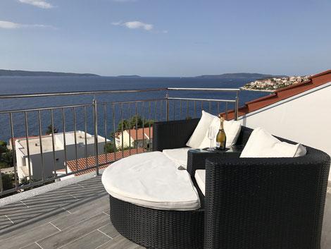 Hier sieht man den schönen Ausblick auf das Meer. Kroatien bietet das qualitativ hochwertigste Wasser in Europa.