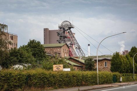 Bergwerk Zeche Ibbenbüren, von Oeynhausenschacht, Münsterland, Deutschland mit Fördergerüst Förderturm, Industriekultur, Industrie, Zechen, Bergbau, Steinkohle