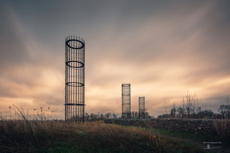 Haldenkultur im Ruhrgebiet, NRW: Die drei großen Herren auf der Halde der Zeche Lothringen in Bochum, Industriekultur, Industrie, Halden, Haldenkultur, Haldenkunst, Ruhrgebiet