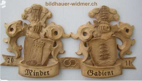 Wappenschnitzerei in Lindenholz 45 cm breit