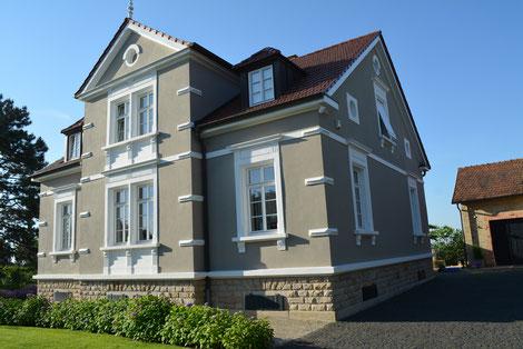 Ehemaliges Weingut Reuther, heute im Besitz der Familie Fischer.