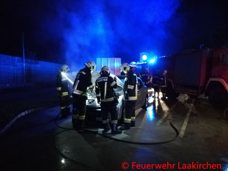 Feuerwehr, Blaulicht, Laakirchen, PKW, Brand, A1