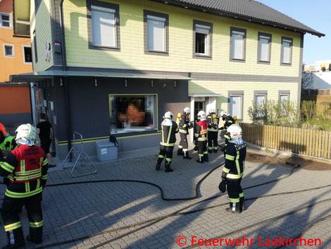 Feuerwehr; Blaulicht; FF Laakirchen; Brand; Wohnhaus; Steyrermühl;
