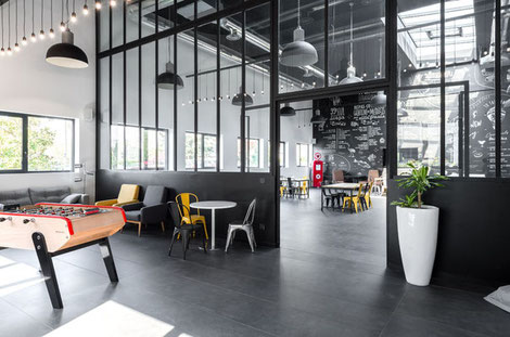 Un intérieur après la rénovation de bureaux