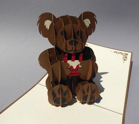 Carte pop-up ourson et son gâteau d'anniversaire