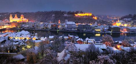 Stimmungsvoll: Passaus Innenstadt im Winter.