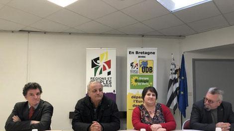 Le député du Morbihan Paul Molac, François Alphonsi, Lydie Massard, et Yves Nédellec, secrétaire régional EELV.© Ouest-France