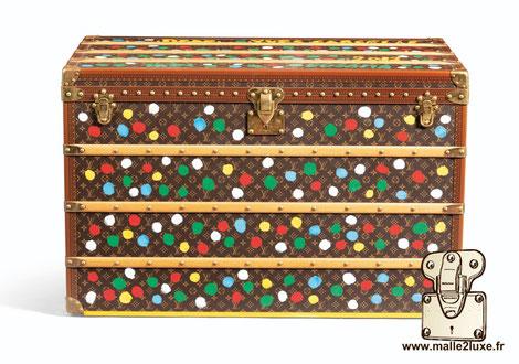 Malle courrier Louis Vuitton 2012 - 239 400 €