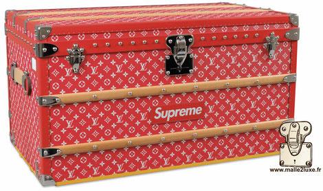 Malle courrier Supreme Louis Vuitton la plus chère vendue en salle des ventes occasion
