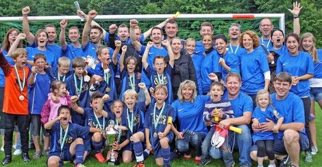 Youngstars Family bei Gewinn des Ebersberger Landkreispokales im Juli 2012