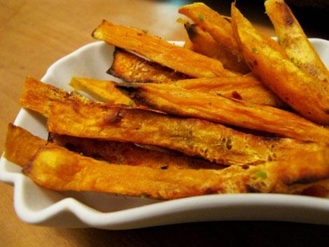 Paleo Süßkartoffelpommes aus dem Backofen