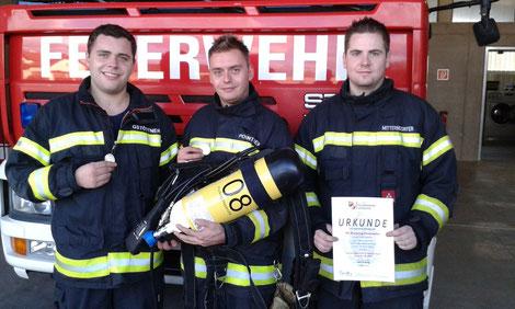 Die Silbernen, links Gstöttner Stefan, Mitte Pointner Andreas, rechts Unterstützer Mitterndorfer Dominik