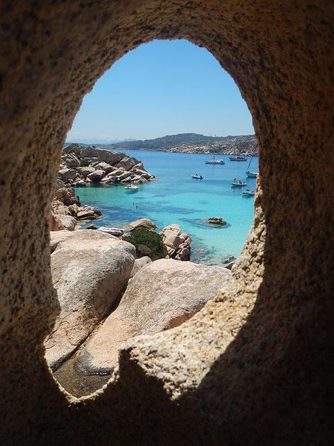 Caprera ist eine Insel zwischen Korsika und Sardinien