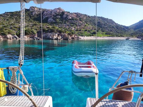 Die Jojo als einzige Yacht in dieser traumhaften Bucht.
