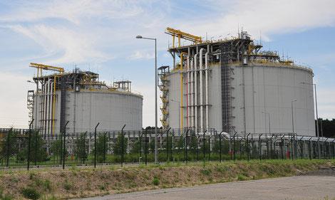 Gasrohrleitung, Gashauseinführungen, Gasschieber, Formstücke für Gas u.s.w.