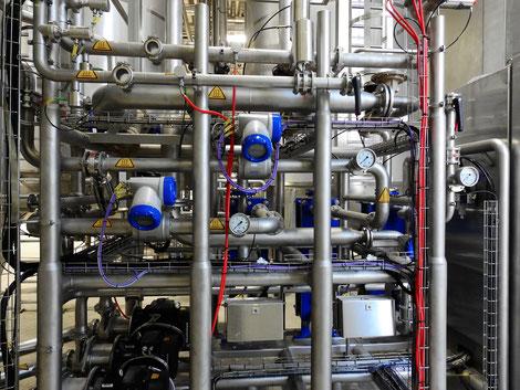 Industrierohrleitungen, Ventile, Kugelhähne, Absperrklappen, Magnetventile, Durchflussmesser, Sensorik, Verbindungen, Fittinge,