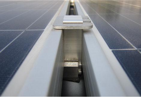 Bei Abnahme festgestellte nichtsachgemäße Klemmung von Solarmodulen