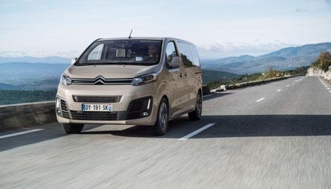 Der Urlaub steht vor der Tür - Keine Platzprobleme mit dem Citroën SpaceTourer, erhältlich bei Autohaus Vallorani Ebersberg