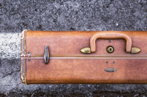 Koffer für eine Entdeckungsreise / Gedankenreise / Schreibreise