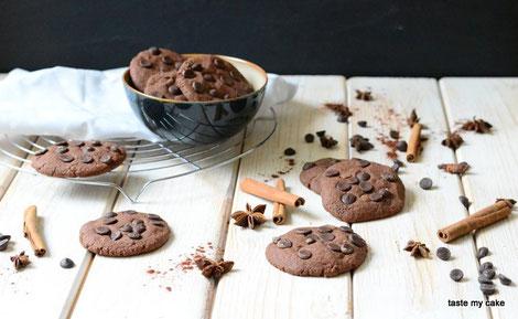 glutenfreie und vegane Choco Chip Cookies, laktosefrei, weizenfrei, mit weihnachtlichen Gewürzen