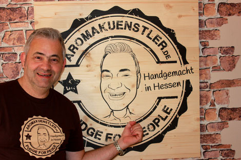 Im Jahr 2015 gründete Thomas Niedermayer die Manufaktur Aromakuenstler-Fudge for People. Der Genussmensch setzte sich zum Ziel, ein perfektes Fudge-Karamell zu kreieren.