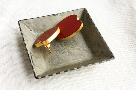 square mini plate by Sayo Kuroki