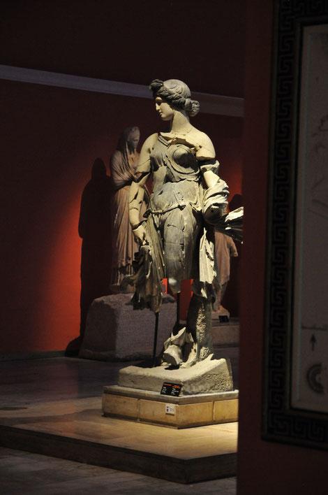 Im archäologischen Museum finden wir Exponate aus dem alten Perge
