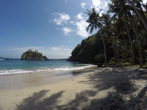 Nusa Penida, Crystal Bay, Nusa Penida 2017, Island, Beach, Strand, Traumstrand, Südostasien, Zwei auf Achse, Südseefeeling, Insel, Palmen, Sandstrand, Meer