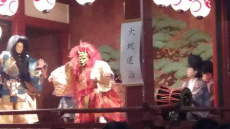演目 大蛇退治 こんなこともやってます 浅草三社祭