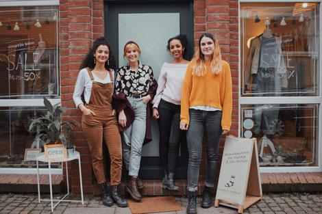 Das Team von links nach rechts: Ayane, Rosa, Johanna & Leoni