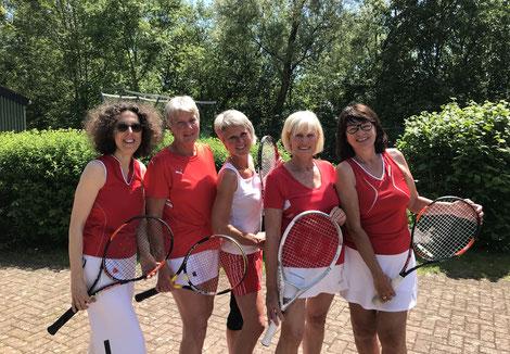 v.l.: Alexandra Prowald, Gabi Stövener, Steffi Holstein, Monika Deppe, Marlen Harms