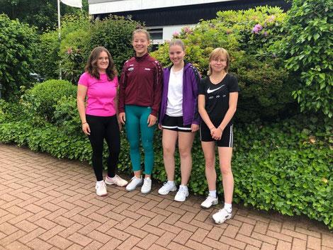 (v.l.): Carolina Hickmann, Jente Habel, Nina Grüneberg, Franka Burgholte