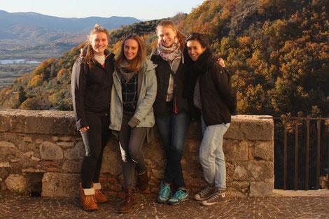 Schülerinnen der DoPhysio beim Auslandspraktikum