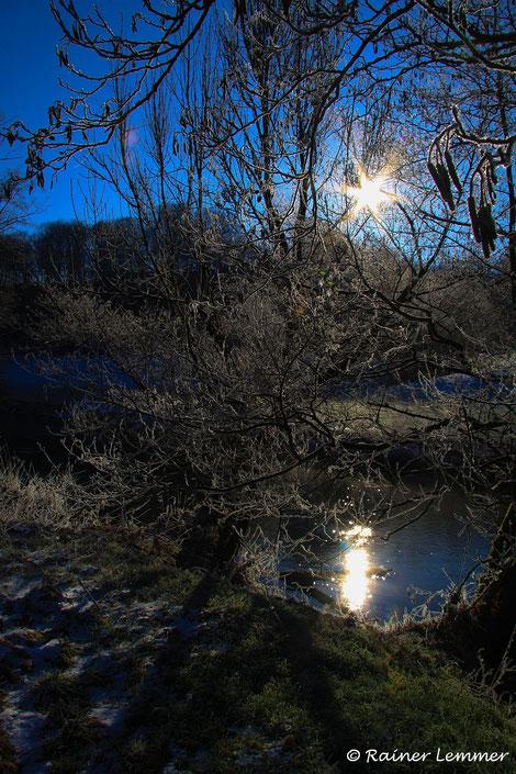 Winterlicher Sonenntag an der Nister bei Stein-Wingert