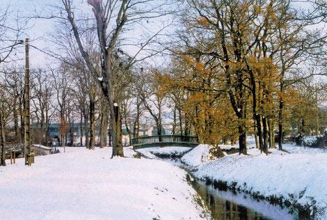 Revel, la passerelle de la Rigole de la Plaine sous la neige - crédit photo : Gilbert Puginier