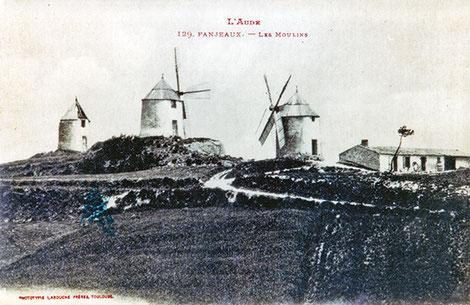 Fanjeaux. Les trois moulins de la colline. Seul subsiste désormais celui de droite