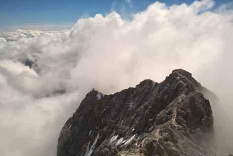 Mit Bergführer über den Jubiläumsgrat von der Zugspitze zur Alpspitze, die Himmelsleiter in den bayrischen Bergen, Bergführung Jubiläumsgrat