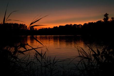 Sonnenuntergang Baven See in Schweden