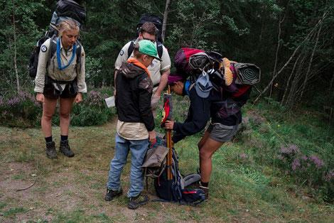 Pfadfinder Aachen Rucksack packen auf Sommerfahrt