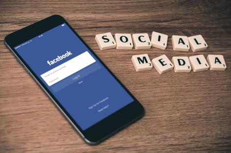 Ihr findet uns auf Facebook, Pinterest, Instagram, YouTube und Twitter.