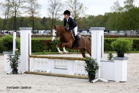Laeticia Schreinemachers en haar pony J-Barolo