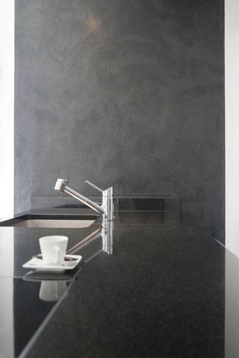 "Wandgestaltung Küche ""Black Geisha"" mit Echtmetall #lebewunderbar"