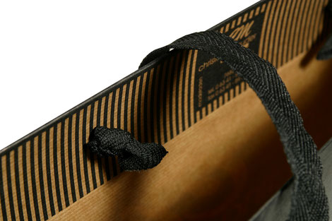 Papiertragetasche mit Baumwollband
